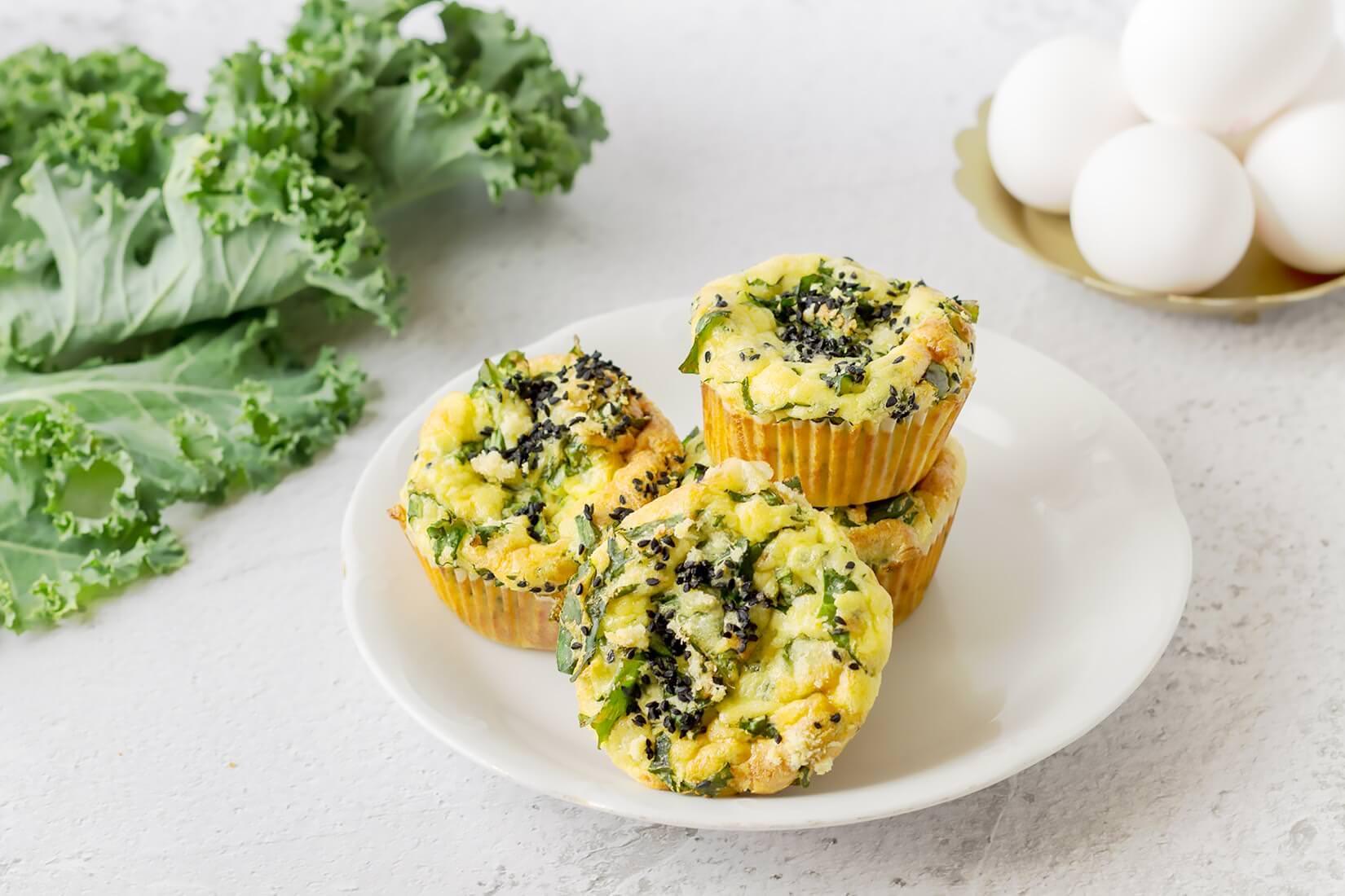 Muffiny jajeczne z jarmużem